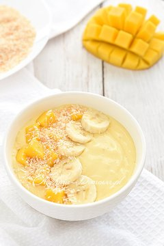 Smoothie bowl z mango i banana
